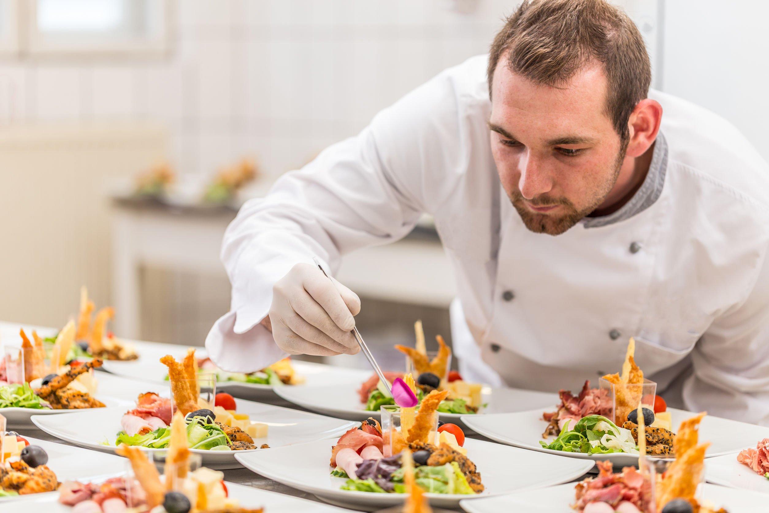 Read more about the article Le restaurant Le République va proposer des menus à 1€ pour les plus démunis
