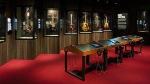 Read more about the article Unzipped Exposition : Tout savoir sur l'expo Rolling Stones à Marseille